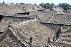 Byggnader och deras tak i det Guizhou landskapet, Kina Arkivbilder