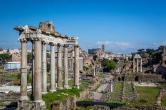 Byggnader och fördärvar, Roman Forum i Rome Italien Royaltyfri Fotografi