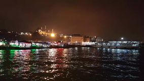 Byggnader och flod i Istanbul stock video