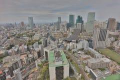 Byggnader och shoppar i en lantlig del av Tokyo Royaltyfri Fotografi