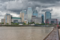 Byggnader på Canary Wharf Arkivfoton