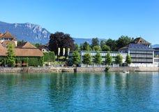 Byggnader på den Ritterquai kajen i Solothurn, Schweiz Royaltyfri Fotografi