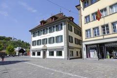 Byggnader på fyrkanten, Muchlenplatz Royaltyfria Bilder