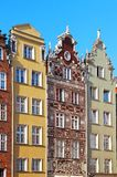 Byggnader på gatan för lång marknad i Gdansk Arkivbilder