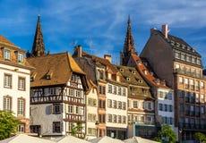 Byggnader på Kleber Square i Strasbourg, Frankrike Royaltyfri Fotografi