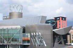 Byggnader på område för Manchester skeppkanal och Salford skeppsdockai UK Royaltyfri Bild