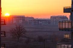 Byggnader på soluppgången royaltyfria bilder