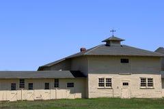 Byggnader som ses på egenskap av historiska Rachel Carson National Wildlife Center, brunnar, Maine, 2016 arkivfoton