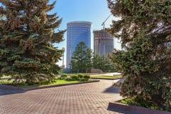 Byggnader under konstruktion i Novosibirsk Arkivfoton