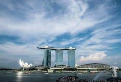 Byggnads- och himmelblått Arkivbild