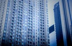 byggnadsaffär, företags byggnad, glass kontorsbyggnader Arkivfoton