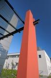 byggnadsdetaljingång som är modern till Arkivfoton