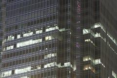 byggnadsexponeringsglasnatt Royaltyfria Bilder