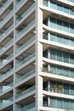 Byggnadsfönsterslut upp textur royaltyfri foto