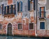 Byggnadsfasad, Venedig, Italien Royaltyfria Bilder