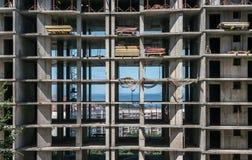 Byggnadskonstruktion - på delen för konstruktionsplats av ett större projekt Arkivfoton