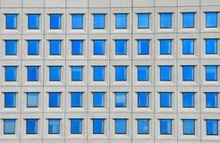 byggnadskontorsfönster Fotografering för Bildbyråer