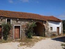 byggnadslantgård fatima gammala portugal Arkivbilder