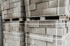 Byggnadsmaterial Kvarter för byggande av starka och hållbara byggnader Royaltyfri Bild