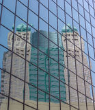 byggnadsreflexion arkivfoton