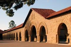byggnadsStanford-universitet arkivfoto