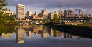 Byggnadsviaduktinfrastruktur Thea Foss Waterway Tacoma Washi Arkivfoto