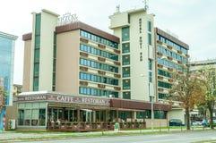 Byggnadsyttersida av hotellet Novi Sad September - 11 2017 novi SAD serbia för underhållningfestivalen för 21 strid adlar den sto Arkivfoto