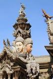 Byggt helt av trä without spikar, fristaden av sanning i Thailand stad Pattaya Fotografering för Bildbyråer