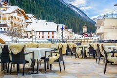 Bymitt av Ischgl, Österrike Royaltyfri Fotografi