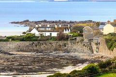 Byn av Marazion nära St Michael ´s monterar, Cornwall, UK Arkivfoto