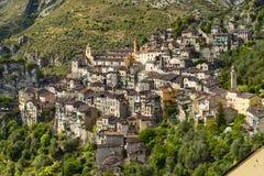 Byn av Saorge, Alpes-Maritimes, Provence i Frankrike arkivfoto