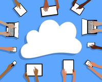BYOD φέρνει το σύννεφο και τα χέρια ταμπλετών συσκευών σας Στοκ φωτογραφία με δικαίωμα ελεύθερης χρήσης