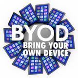BYOD traen a sus propios ordenadores de las tabletas del dispositivo el trabajo móvil Foto de archivo libre de regalías