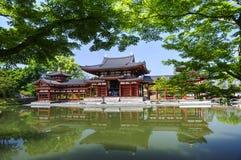 Byodo在佛教寺庙在Uji,日本 免版税库存照片