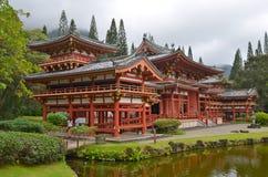 Byodo-im Tempel mit den Koolau-Bergen, Hawaii, USA stockbilder
