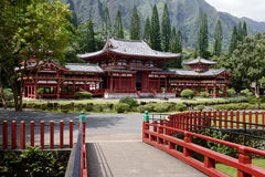 Byodo in temple and entrance bridge Royalty Free Stock Image