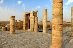Bysantinsk forntida kyrka i staden Avdat Negev öken Arkivbild