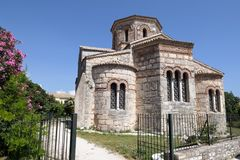 Bysantinska kyrkliga Agios Iasonas Kai Sosipatros i Korfu stadker Fotografering för Bildbyråer