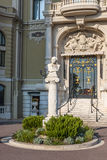 Byst av Massenet på Monte Carlo Casino i Monaco Royaltyfria Foton