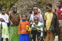 BYUMBA RWANDA, WRZESIEŃ, - 9, 2015: Niezidentyfikowani dzieci Twarze Afryka Zdjęcia Stock
