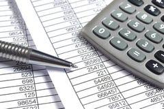 Cálculo de negocio de las finanzas Foto de archivo libre de regalías