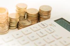 Cálculo del impuesto cada año todo el mundo Foto de archivo