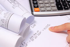 Cálculos matemáticos, diagramas bondes rolados e calculadora Fotografia de Stock