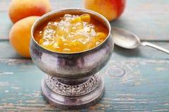 Cálice de prata do vintage do doce do pêssego Imagem de Stock