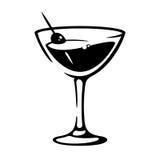 Cálice do vermute de Martini com azeitona Foto de Stock Royalty Free