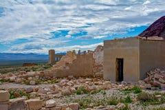 Cámara acorazada de banco del pueblo fantasma de la riolita imagenes de archivo