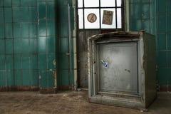 Cámara acorazada vieja fotos de archivo libres de regalías