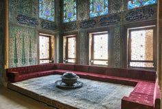 Cámara de Príncipes herederos en el quiosco gemelo dentro del palacio de Topkapi, Estambul, Turquía imagen de archivo