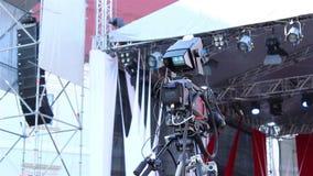 Cámara de televisión con el monitor de control almacen de metraje de vídeo
