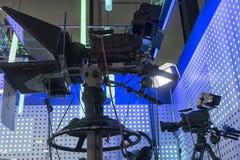 Cámara de televisión en el pabellón de la demostración viva foto de archivo libre de regalías